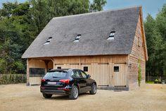 carport met rieten dak | Schuur | Pinterest | Breezeway, Patios and ...