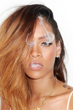 Here Are The Outtakes From Rihanna's Rolling Stone Photo Shoot - BuzzFeed Mobile