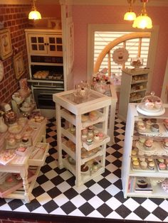 Pin by carol vasil on miniatures кукольные домики, домики Prep Kitchen, Mini Kitchen, Miniature Kitchen, Vitrine Miniature, Miniature Dolls, Pink Dollhouse, Dollhouse Miniatures, Doll House Crafts, Shop House Plans