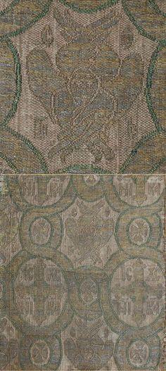 Antique Italiano del Tessile. Broccato di seta con fili d'argento 1200 - 1300 A.D