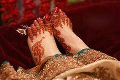 Mehndi Designs Feet, Stylish Mehndi Designs, Mehndi Designs For Girls, Bridal Mehndi Designs, Mehandi Designs, Mehndi Tattoo, Henna Mehndi, Arabic Henna, Bridal Mehndi Dresses