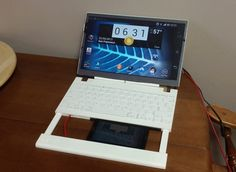 Casetop laptop uses your smartphone as its brains