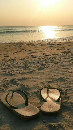 Sea, sun and Sand.....flippy flops !