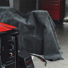 A large spark-proof blanket designed to protect items from sparks which may occur due to nearby welding. Often used in vehicle production factories and car garages. Welding Rods, Arc Welding, Welding For Beginners, History Of Welding, Welding Gloves, Welding Training, Home Improvement Center, Welding Process, New Crafts
