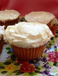 7-Up Cupcakes: Made with 7-Up and four other ingredients, these are the moistest, lightest cupcakes you will ever eat!