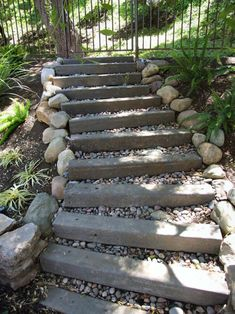Wood Steps and Gravel Landscape and Garden Projects Project Difficulty: Simple Landscaping and Gardening Projects www. Landscape Stairs, Landscape Design, Sleepers In Garden, Gravel Landscaping, Landscaping Ideas, Outdoor Stairs, Outdoor Wood Steps, Garden Stairs, Sloped Garden