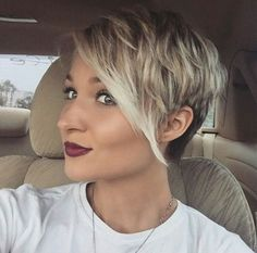 Pixie Haircut Styles - Short Pixie Haircuts - Hottest Pixie Cuts - Pixie hairstyles - pixie haircut for round face - how to style a pixie haircut? Pixie Haircut Styles, Haircut Styles For Women, Short Pixie Haircuts, Girl Haircuts, Sassy Haircuts, Short Haircuts, Haircut For Thick Hair, Haircut And Color, Cute Hairstyles For Short Hair