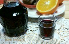 Il vino aromatizzato all' arancia è una ricetta di famiglia che ci tramandiamo da anni. Si tratta di una ricetta facile ma che dà molta soddisfazione