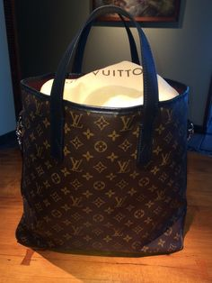 Louis Vuitton tote......
