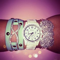 <3<3! The infinity bracelet !!!!!! <3