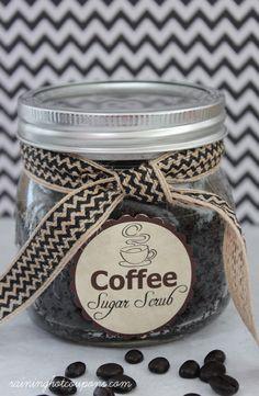 Coffee Sugar Scrub Recipe + FREE Gift Tag Printable!