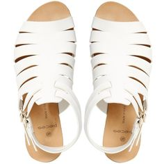 Pieces Kale Leather White Flat Sandals ($25) ❤ liked on Polyvore featuring shoes, sandals, clothes - shoes, sapatos, flat shoes, white leather shoes, flat sandals, genuine leather shoes and flat soled shoes