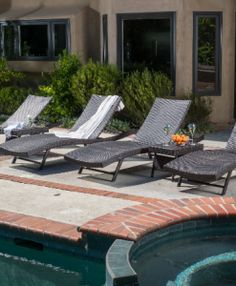 The Best Wicker Chaise Lounge Chairs You Can Buy - Beachfront Decor