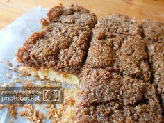 Deense plaatkoek met kokos/ basterdsuiker topping Baking Recipes, Healthy Recipes, Healthy Food, Banana Bread, Cereal, Recipies, Food And Drink, Brownies, Sweets