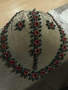 Beaded necklace pendant made by beadweaving. Inspiration onruseym's media statistics and analytics Beaded Necklace Patterns, Beaded Statement Necklace, Seed Bead Necklace, Bead Earrings, Bracelet Patterns, Beading Patterns, Handmade Beads, Handmade Bracelets, Handmade Jewelry
