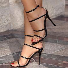Stiletto Heels Geschichte - Ready to lick & suck - Fashion Heels Stilettos, Stiletto Heels, Talons Sexy, Hot High Heels, High Heels Sandals, Sexy Toes, Women's Feet, Fashion Heels, Classy Fashion