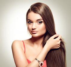 How to straighten hair without heat Wedding Hairstyles For Long Hair, Straight Hairstyles, Hair Wedding, Straighten Hair Without Heat, Twist Bun, Tips Belleza, Hair Health, Wavy Hair, Hair Growth