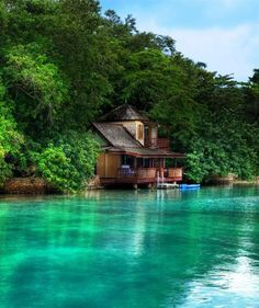 Goldeneye, St Mary, Oracabessa, Jamaica  I'm moving there!