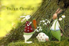 Schulkinder dürfen sich in den Ferien erholen und auch der Rest darf sich über freie erholsame Tage mit der Familie freuen. Ganz besonders schön wird Ostern jedoch erst durch die vielen Schönen Osterbräuche und Traditionen. Was wäre das Osterfest für Kinder ohne die beliebte Ostereiersuche oder den Osterhasen. Wir sagen Dir, woher die bekannten oder auch außergewöhnlichen Osterbräuche eigentlich stammen. Ostern, Ostergeschenke, Osterhase, Osterei