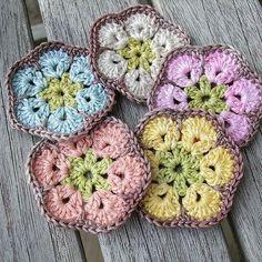 🌼🌼🌼 #knit #knitting #happy #knitinstagram #crochet #crochetaddict #crocheting #orgu #blanket #blanketaddict #yastık #örgü #decor #instacrochet #dekorasyon #handknit #pattern #pillow #kanaviçe #amigurumi #kirlent #colourful #çeyiz #dantel #babyblanket #yarn #instacrochet #crocheterofinstagram #pembe #örgümüseviyorum