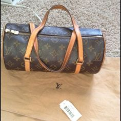 Louis Vuitton Papillon 26 Handbag Purse Gently used in good used condition. The handles show the wear the inside is pretty clean just very light pen marks. Paid $700. Pet and smoke free home! Louis Vuitton Bags Totes