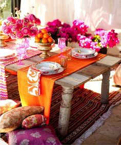 Orange and Hot Pink Tablescape... Would love to do this in an outdoor space!