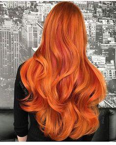 Genteeee que cor incrível🌺 . . . #projetorapunzel #cabeloslongos #cabelonacintura #rapunzel #cronogramacapilar #receitacaseira #cc #longhair #instahair #cabelão #cabelonacintura #crescecabelo #cabelosdivos #hair #cabelo #cabelos #boanoite #goodnight #like #followme #follow4follow #f4f #like4life #likeforlike #follow #cabelodesereia #pocahontas #haircolour #ruivas #cabeloruivo