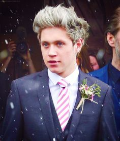 Niall at Greg's wedding looks like he's been  crying. Fans are now saying they are thinking about leaving the fandom because of what happened today and no matter how mad I was at those girls I thought about not blogging about the boys everyday and it made me want to cry