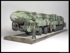 "РС-12М ""Тополь""(SS-25 ""Sickle"")  #pc12m #ss25 #sickle #scalemodel #diorama #soviet #modern"