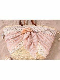 Ideas Diy Bags Purses, Flower Bag, Ibiza Fashion, Basket Bag, Summer Bags, Cute Bags, Straw Bag, Wicker, Couture