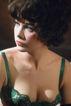 Shirley MacLaine ad Irma La Douce in that fabulous green underwear. Hollywood 1963 © Willy Rizzo