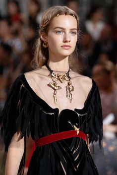 See detail photos for Valentino Fall 2015 Couture collection.