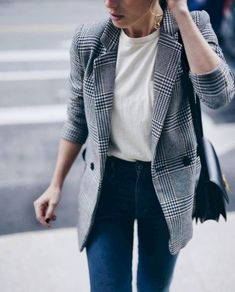 60 Casual Blazer Outfit for Women You Must Have casual blazer outfits - Casual Outfit Blazer Outfits Casual, Blazer Outfits For Women, Blazer Fashion, Blazers For Women, Fall Outfits, Dress Outfits, How To Wear Blazers, Casual Blazer Women, Outfits Jeans