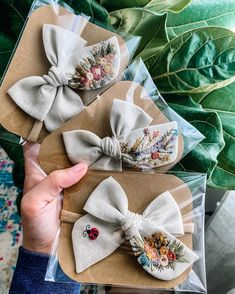 to see all of these stunning customs! Embroidery On Clothes, Embroidery Bags, Flower Embroidery Designs, Hand Embroidery Patterns, Embroidery Stitches, Diy Hair Bows, Ribbon Hair, Diy Hair Accessories, Baby Bows