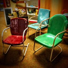 Mid-century red Arvin, green Hettrick, and blue Logan vintage metal chairs. See history at www.midcenturymetalchairs.com Vintage Metal Chairs, Metal Lawn Chairs, Tulip Chair, Chair Pictures, Glider Chair, Porch Furniture, Gliders, Motel, Logan