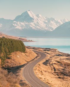 12 Must See Places On The South Island Of New Zealand - Renee Roaming Places To Travel, Places To See, New Zealand Country, Landscape Photography, Travel Photography, Aerial Photography, Night Photography, Landscape Photos, Photography Tips