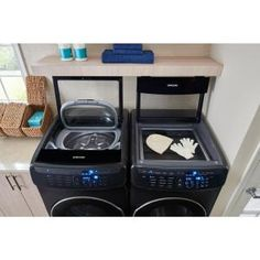 Keep your laundry drum fresh and odor-free by using this Samsung High-Efficiency FlexWash Washer in Black Stainless Steel, ENERGY STAR. Stacked Washer Dryer, Washer And Dryer, Laundry Room Storage, Laundry Rooms, Garage Laundry, Laundry Decor, Washer Drum, Motor Works, Front Load Washer