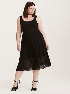 I need a classy, basic black dress and I'm too short for the maxi dresses. This looks promising!