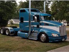 Image may contain: sky and outdoor Show Trucks, Big Rig Trucks, Pickup Trucks, Dump Trucks, Custom Big Rigs, Custom Trucks, Customised Trucks, Freightliner Trucks, Peterbilt 386