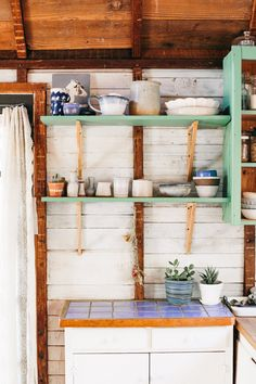 Coralie's Cozy, Southwest-Inspired One Room Cabin in the Pacific Northwest