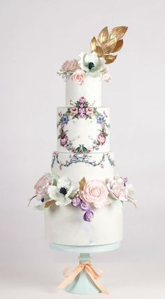 Wedding Cakes Hand Painted Wedding Cake {By Nadia and Co.} - Hand Painted Wedding Cakes are a great way to reflect your wedding theme, the season of your celebration or even match invitations and stationary Painted Wedding Cake, Cool Wedding Cakes, Beautiful Wedding Cakes, Gorgeous Cakes, Wedding Cake Designs, Pretty Cakes, Amazing Cakes, Bolo Floral, Floral Cake