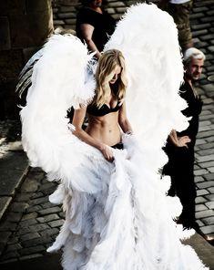 [the wings!] journeyinsidemyhead:  High End Hippie