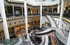 Quartier 206 in Berlin is a must-visit for fashion fanatics! This beautiful and exclusive shopping mall houses the international fashion elite.