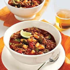 Turkey-Bean Chili- This is a great tasting chili recipe. Healthy and low in calories. Daniel Plan Recipe. (click image for recipe)