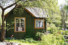 Cute Garden Sheds : The Ideal Picnic Table Plan To Put Together A Wood Picnic Table For Dinners Inside Your Backyard Cottage In The Woods, Cabins In The Woods, Cottage House, Little Cabin, Little Houses, Swedish Cottage, Swedish House, Picnic Table Plans, Cabins And Cottages