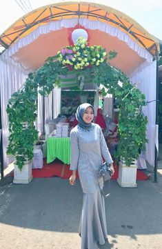 Discover recipes, home ideas, style inspiration and other ideas to try. Hijab Gown, Hijab Dress Party, Hijab Style Dress, Hijab Wedding Dresses, Casual Hijab Outfit, Bridesmaid Dresses, Kebaya Modern Hijab, Kebaya Hijab, Kebaya Dress