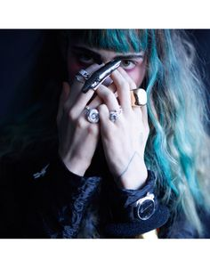 Grimes turquoise-teal-blonde-brown-hair