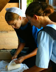 Amish Weekly Housekeeping Schedule- An Organized Lifestyle