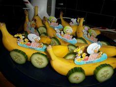 Fruit traktatie auto 65 ideas for 2019 Healthy Fruit Desserts, Fruit Smoothie Recipes, Fruit Party, Fruit Of The Spirit, Sushi Rolls, Cinnamon Rolls, Diy For Kids, Food Art, Kids Meals