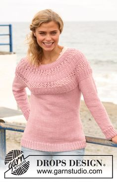 """Knitted DROPS sweater with rib and lace pattern on round yoke in """"Paris"""". Size: S - XXXL ~ DROPS Design"""